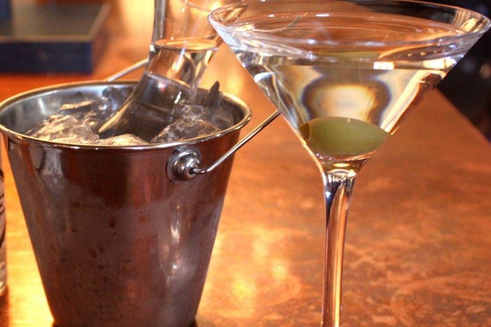 Martini service at Oak Long Bar + Kitchen