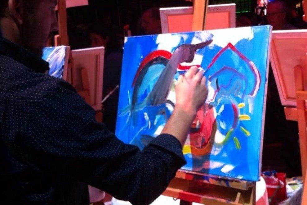 温哥华的艺术家,诺亚NJ鲍曼,专注于他的作品