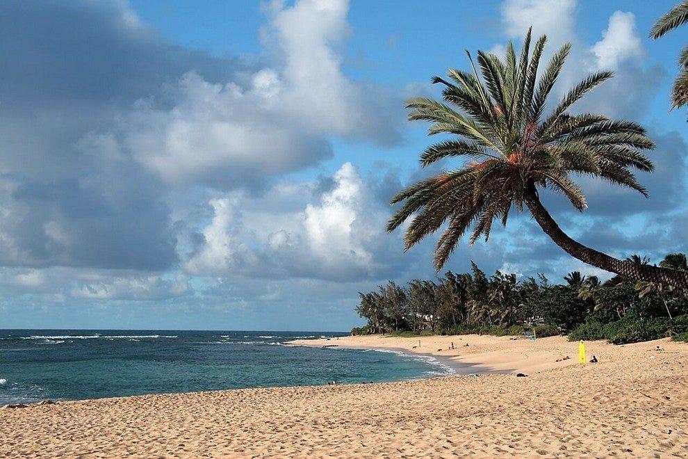 Hasil gambar untuk honolulu beach