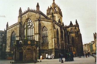 Find Tranquility amidst Edinburgh's Bustle in St Giles Cathedral