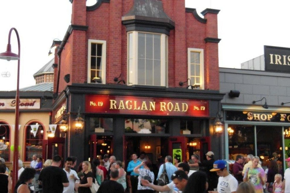 Bring your clan to Raglan Road, an authentic slice of the 'Emerald Isle' in Orlando