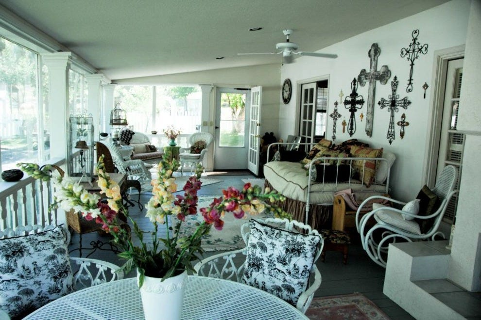 The White House Bed and Breakfast Inn. The White House Bed and Breakfast Inn  Tahoe Hotels Review