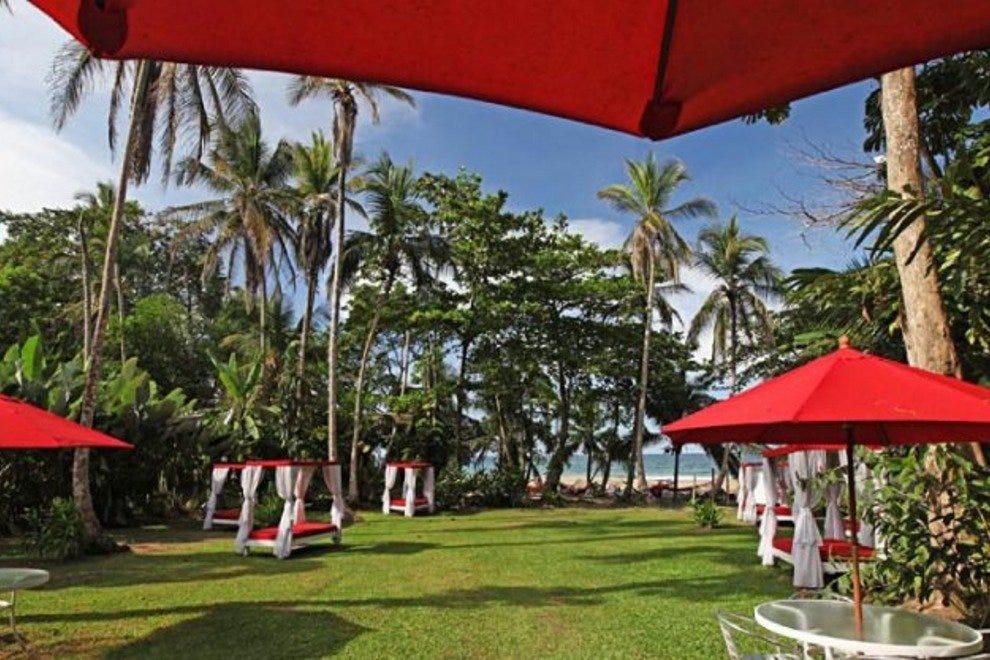 卡米隆海滩酒廊