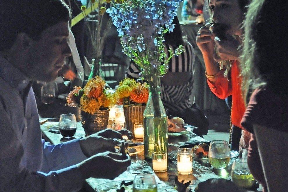 品尝晚餐之一,布鲁克斯艺术博物馆的户外活动