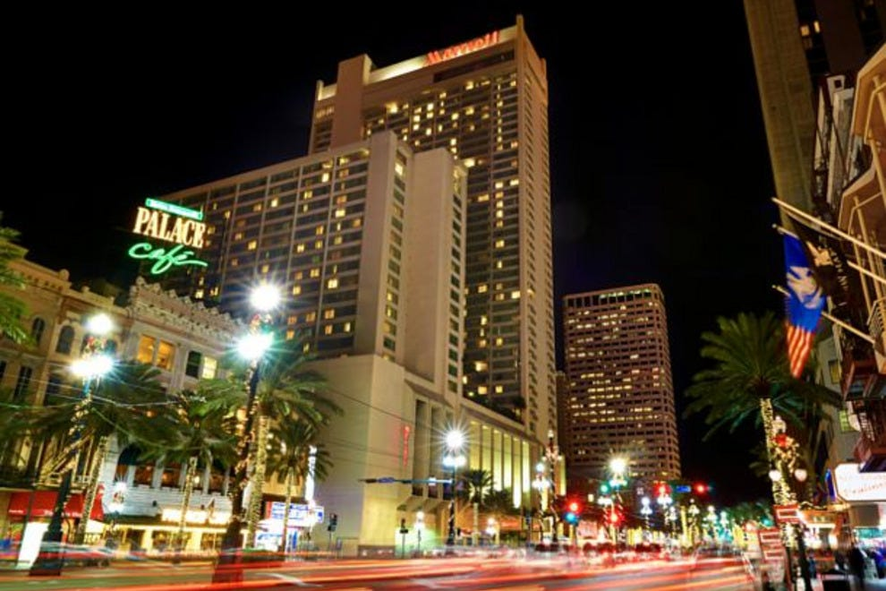 Restaurants Near Crowne Plaza New Orleans