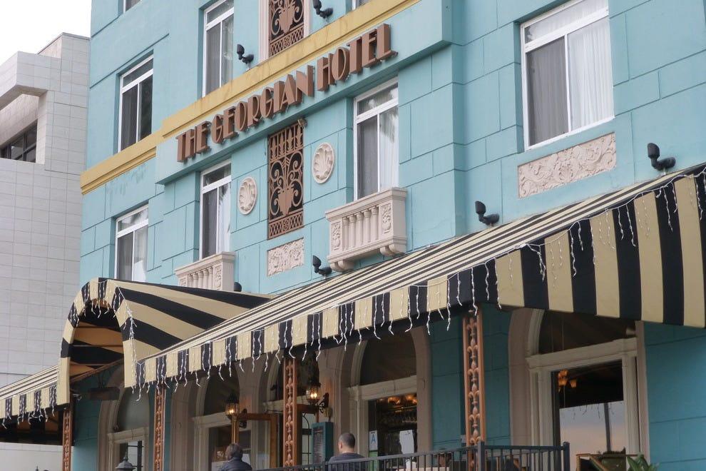 杰奥尔吉安酒店