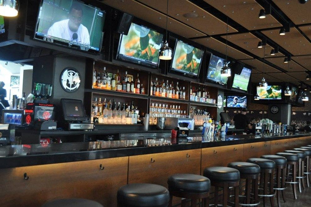 Chicago Sports Bars: 10Best Sport Bar & Grill Reviews