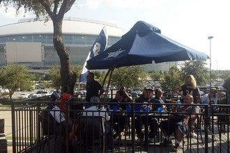 10 Best Restaurants near AT&T Stadium: Tailgate in Style Like the Locals
