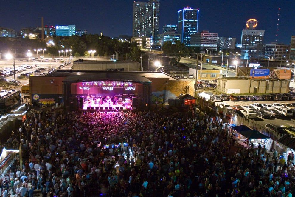 Crossroadskc At Grinders Kansas City Nightlife Review
