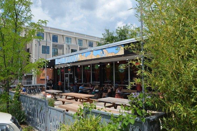 Restaurant Slideshow Outdoor Dining In Nashville