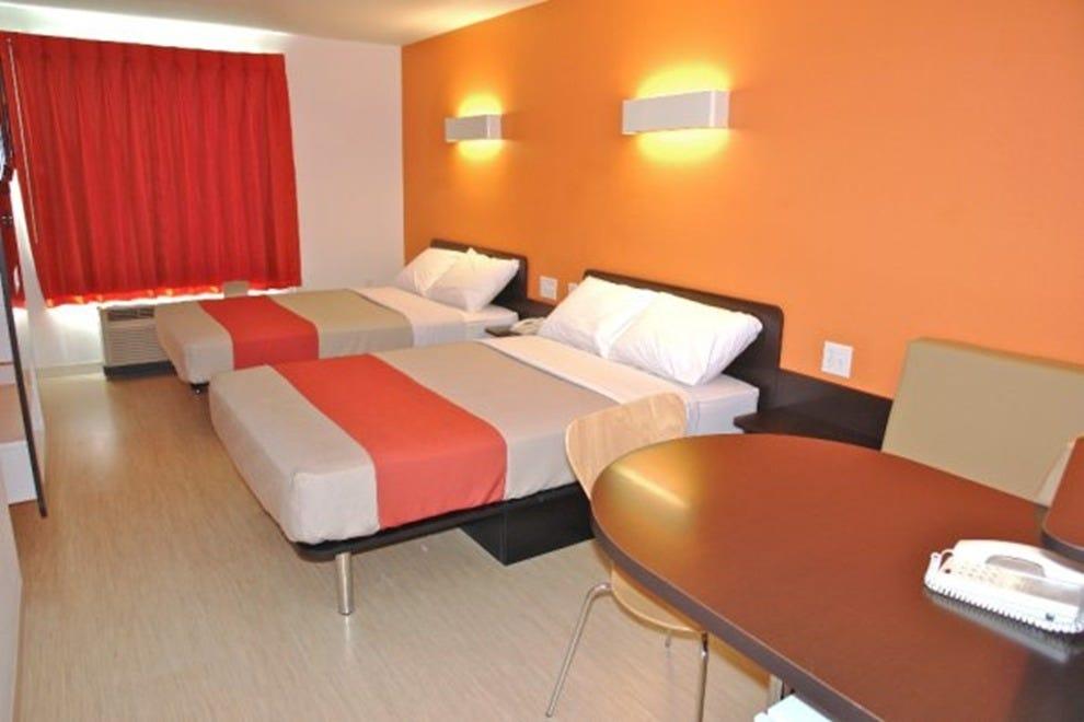 motel 6 lantana palm beach west palm beach hotels. Black Bedroom Furniture Sets. Home Design Ideas