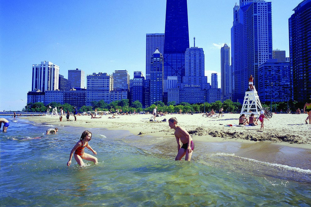 Chicago's Oak Street Beach steps away from many Chicago attractions.