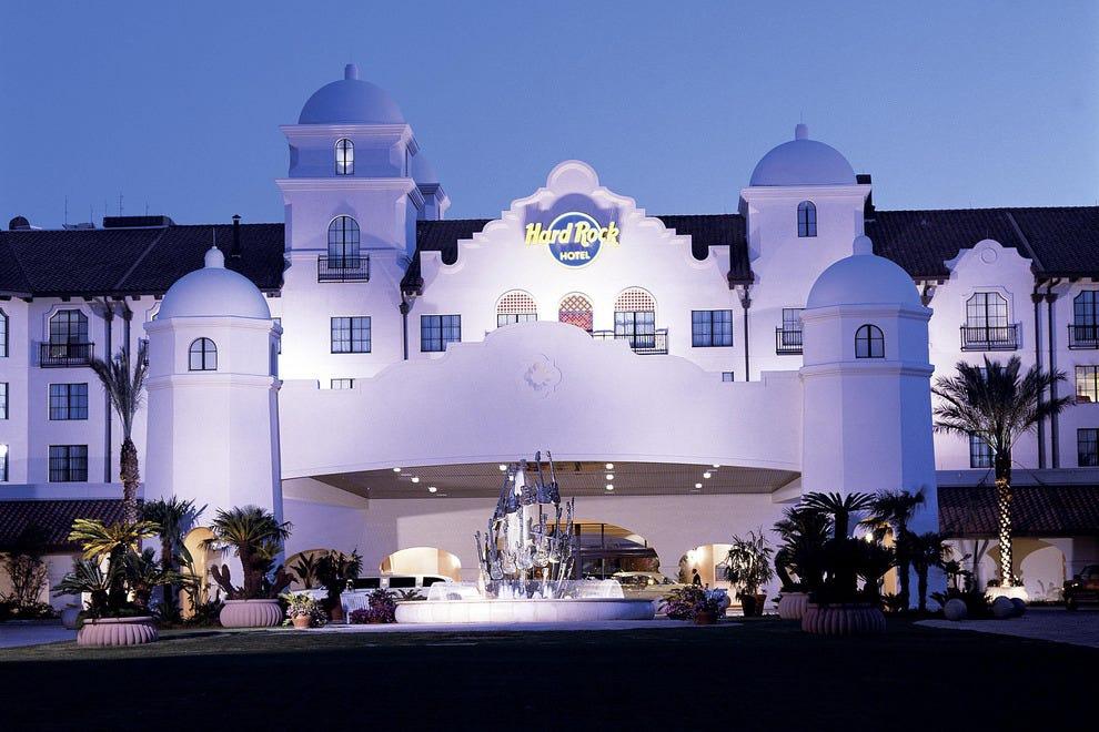 环球硬石酒店
