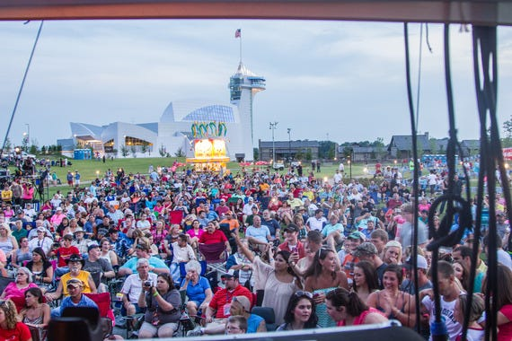 Summer concerts rock memphis at outdoor live music venues attractions article by for Live at the garden memphis events
