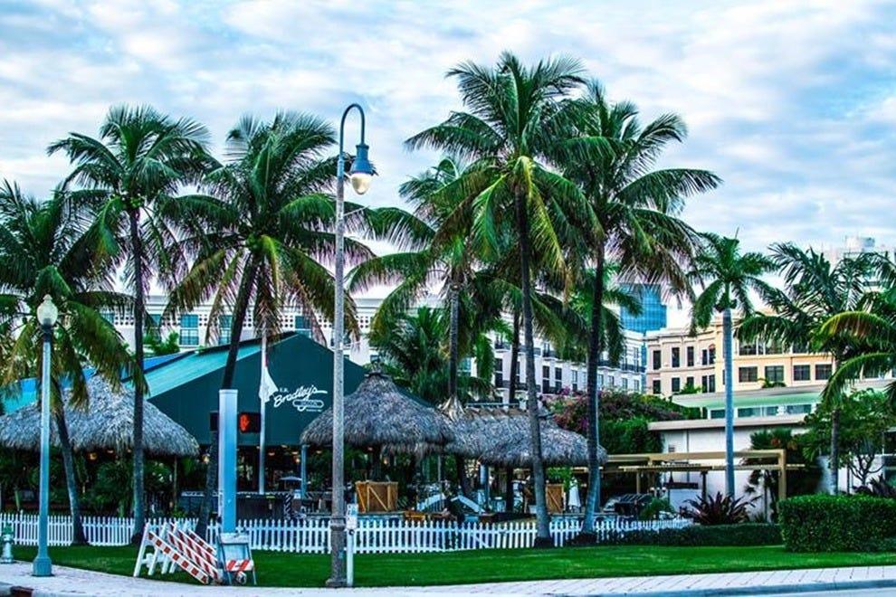 Best Seafood Restaurants Near West Palm Beach Fl