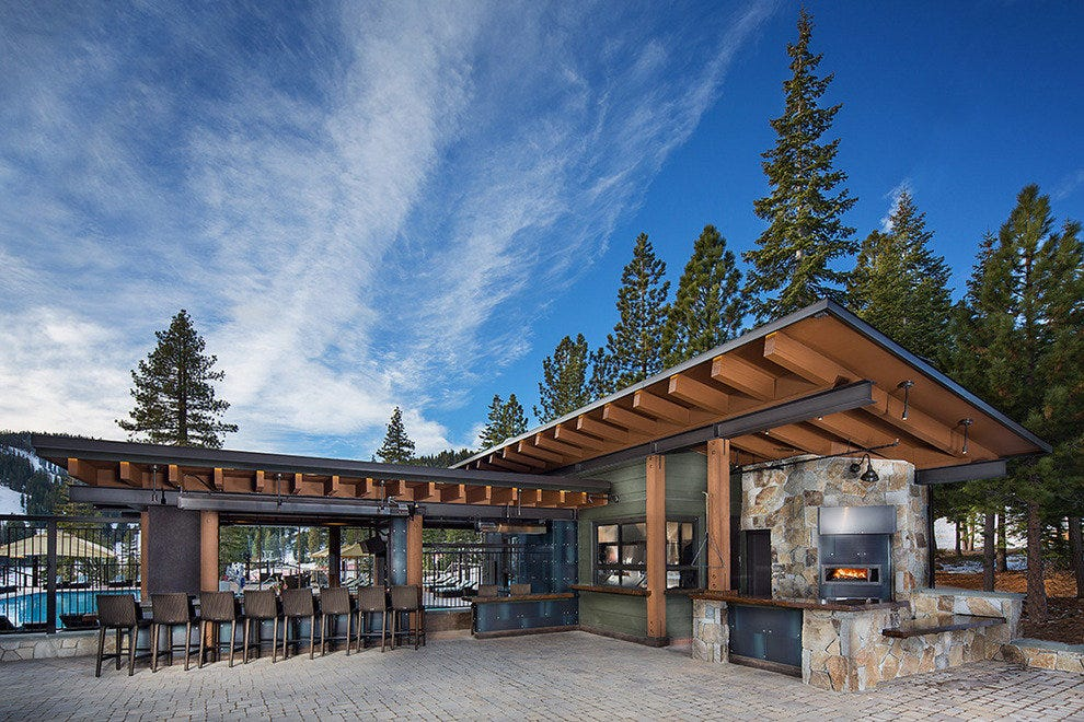 The Backyard Bar & BBQ at The Ritz-Carlton, Lake Tahoe