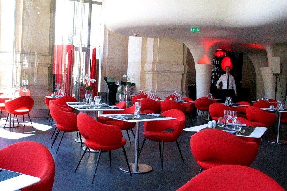 Paris Restaurants Near City Monuments Cristal Room L
