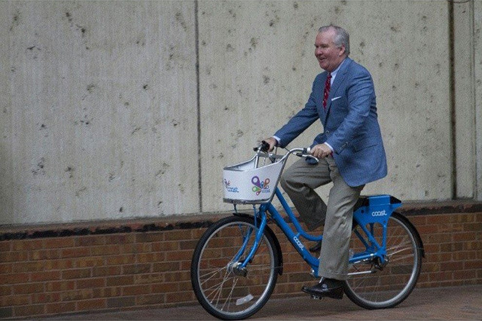 Tampa Mayor Bob Buckhorn tries out one of Coast Bike Share's new rides