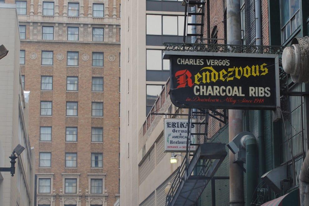 hotels memphis near charlie vergos rendezvous