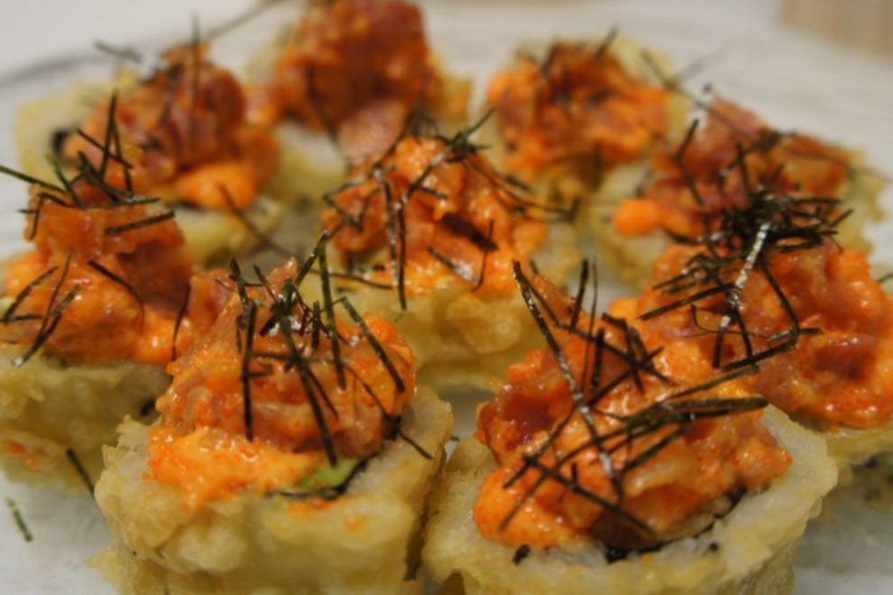 Nori sushi chicago restaurants review 10best experts for Seashell fish chicken chicago il
