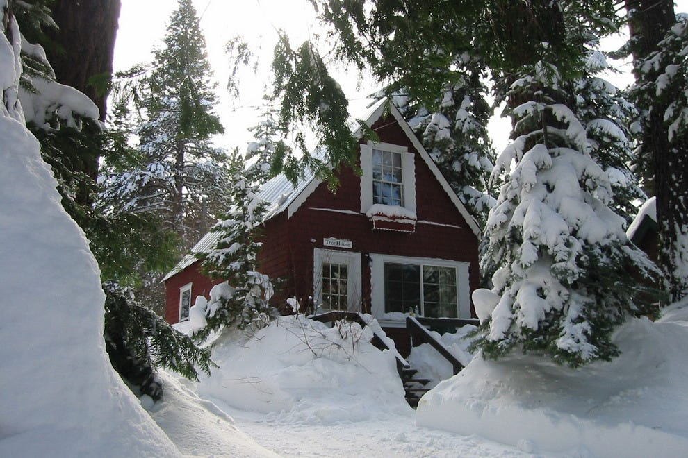 Tahoma Meadows Bed & Breakfast Cottages