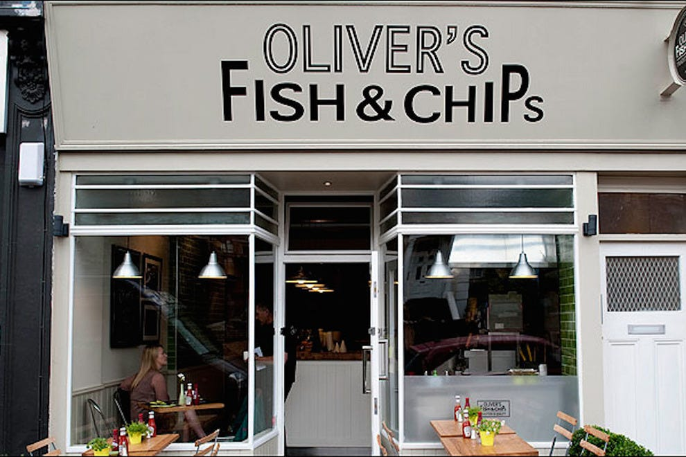 Oliver 39 s fish chips dress code for Mamas fish house dress code