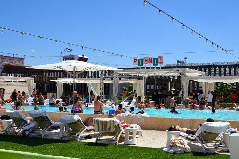 PICNIC, the urban rooftop pool experience