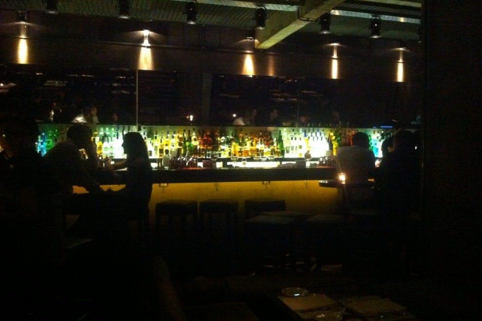 Basa basement bar restaurant buenos aires restaurants for 788 food bar recoleta