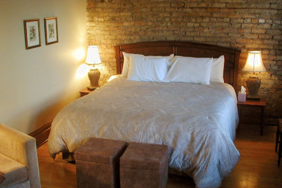 Old Chicago Inn Chicago Hotels Review 10best Experts