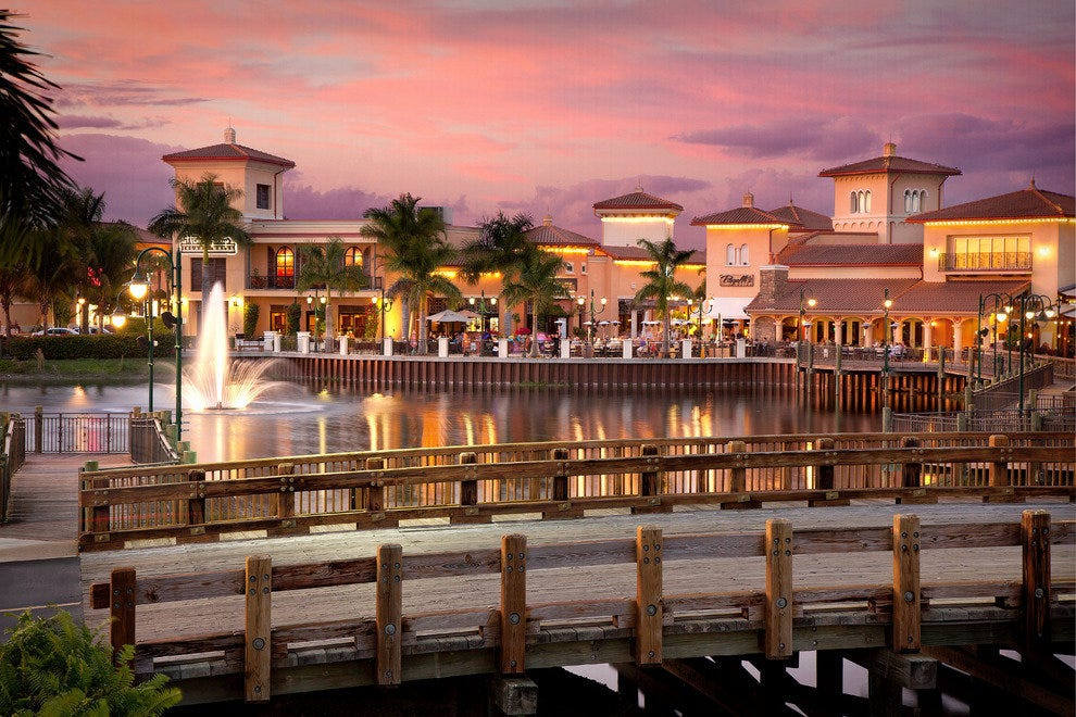 The picturesque fountains and boardwalks make shopping at Coconut Point even more enjoyable