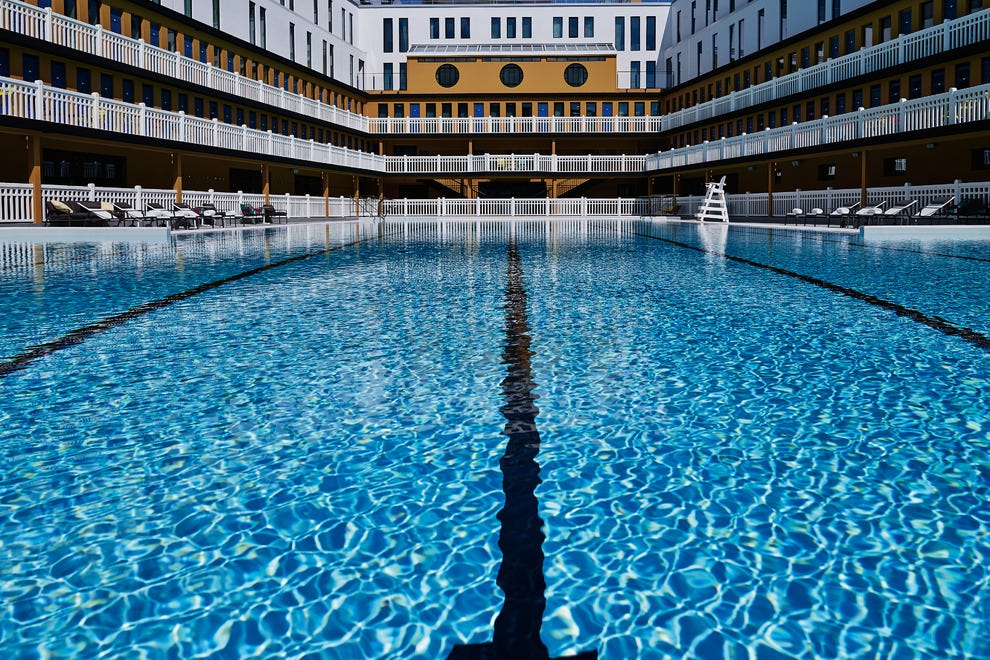 Molitor paris hotels review 10best experts and tourist for Piscine molitor hotel