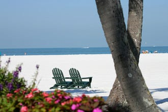 Water, Dining and Sports: The Best Resorts in Fort Myers