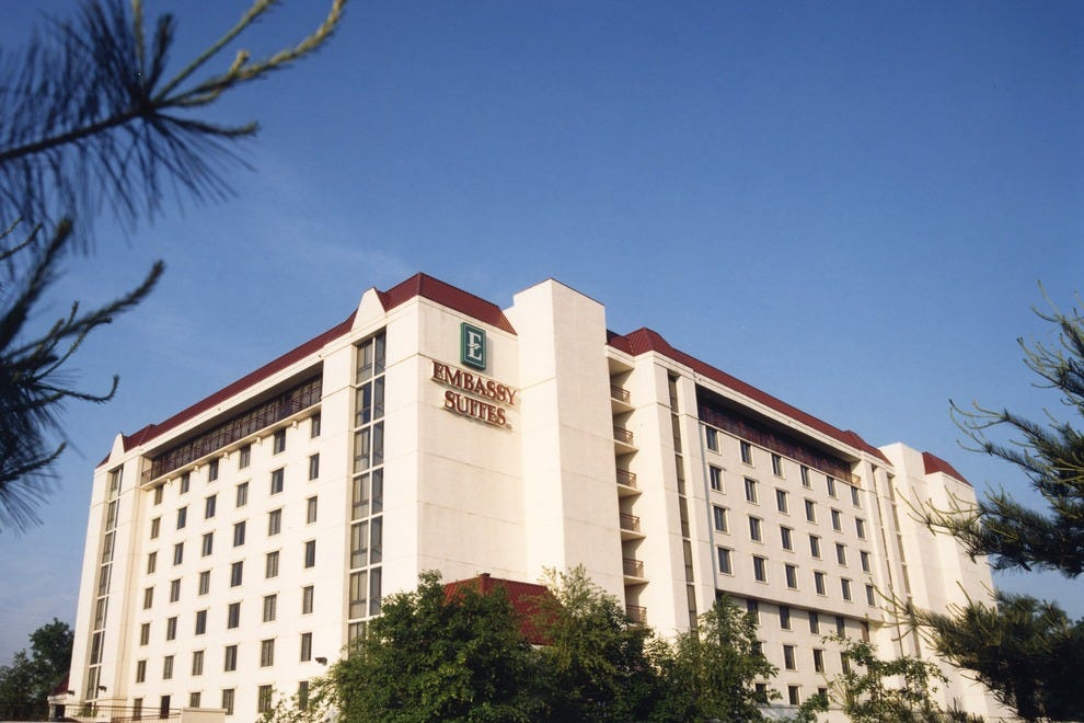 Embassy suites by hilton san antonio airport san antonio - Hilton garden inn san antonio downtown ...