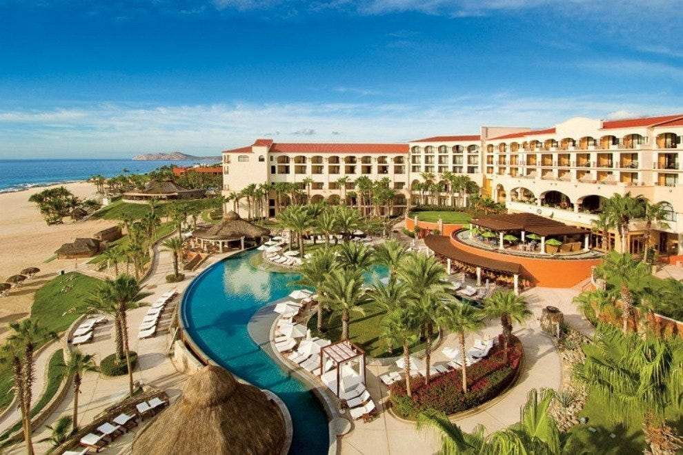 Hilton's luxurious 375-room Los Cabos resort enjoys a scenic beachfront setting on the Tourist Corridor that connects cape cities Cabo San Lucas and San Jose del Cabo