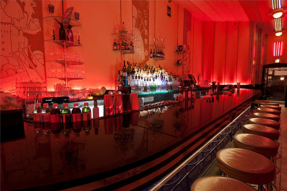 The Cruise Room Bar