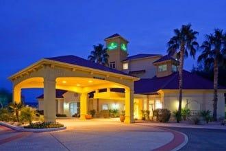 Restaurants Near Holiday Inn Express Scottsdale North