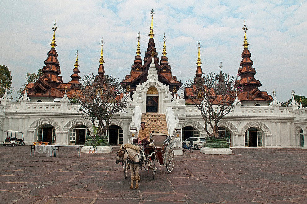 Welcome Horse Carriage at the Dhara Dhevi