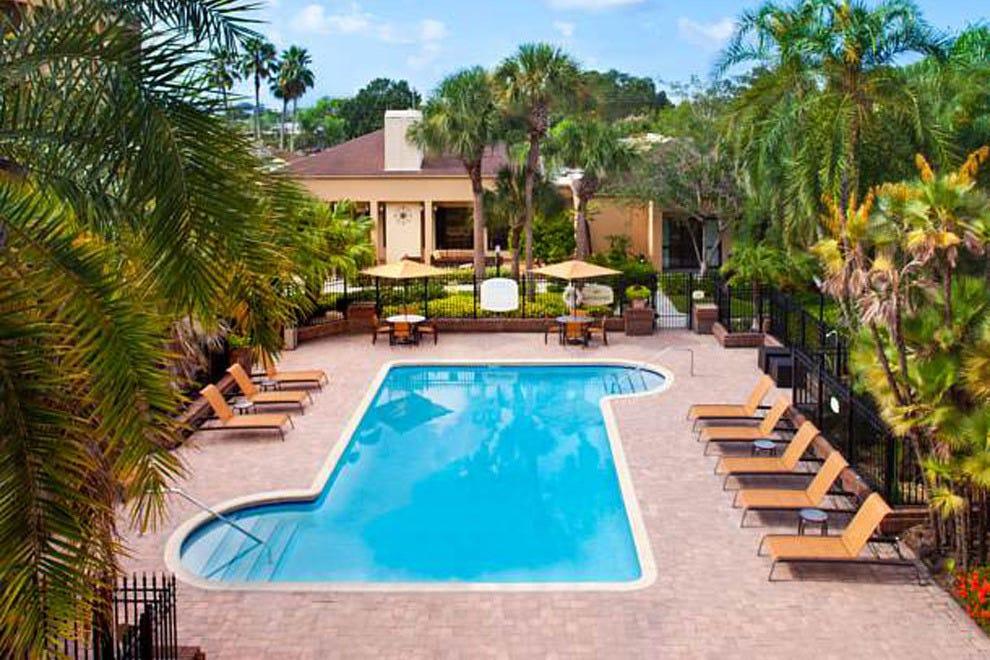 坦帕西海岸万豪酒店(Marriott Tampa Westshore)旗下的万怡酒店(Courtyard)