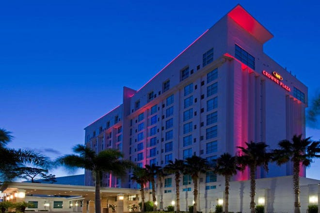 Crowne Plaza Tampa Wests St