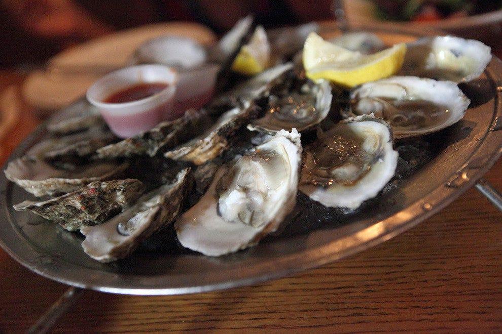Alonzo S Oyster Bar