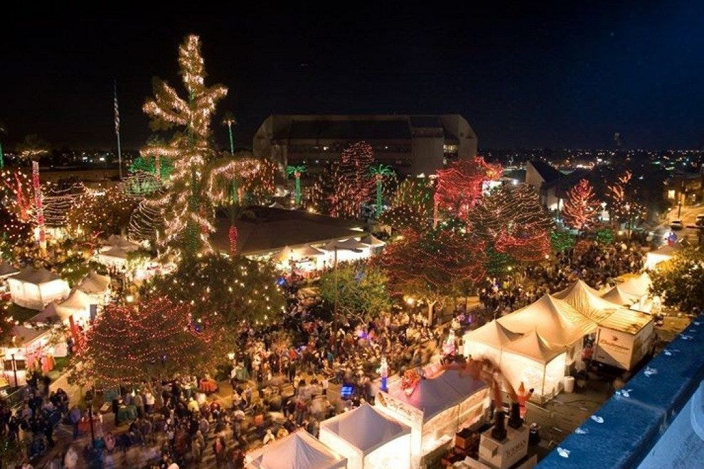Glendale Glitters Spectacular Weekend: Phoenix Attractions Review ...