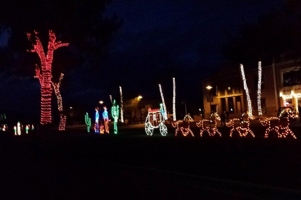 Fountain Hills Stroll in the Glow