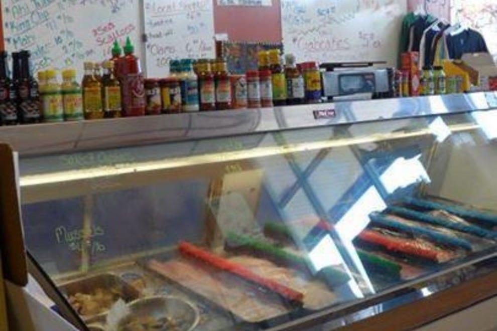 Mr fish seafood market grill myrtle beach restaurants for Mr fish myrtle beach sc