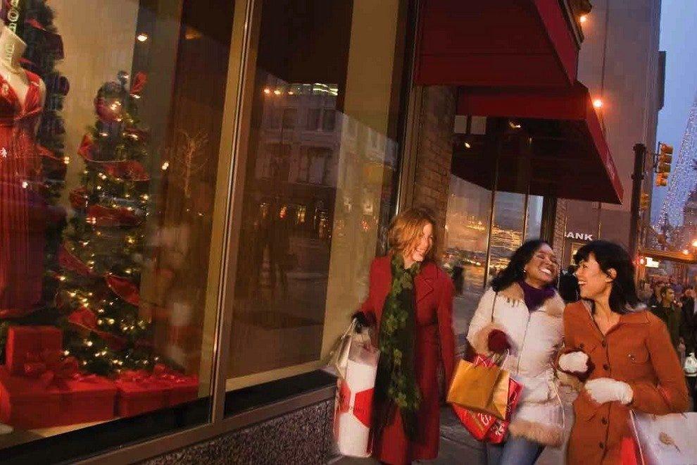 在印第安纳波利斯市中心购物是假日传统