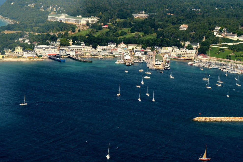 Seaplane Tours Over Mackinac Island