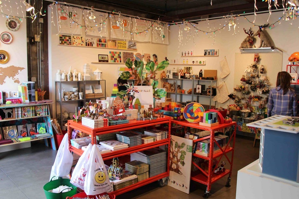 Santa monica museum of art gracie christmas shop los for The christmas store