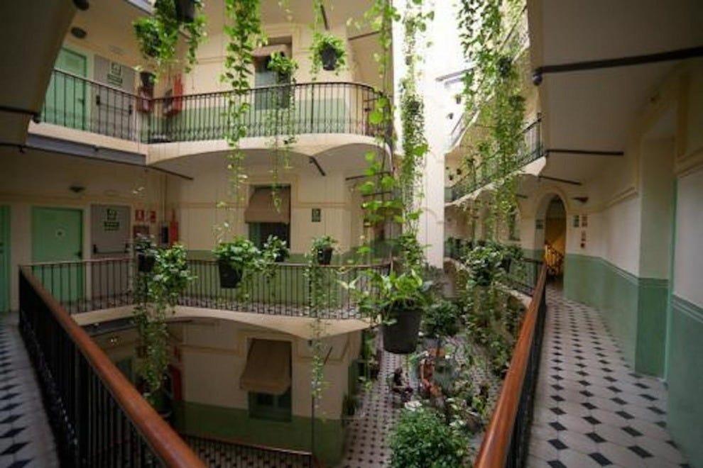 Barcelona budget hotels in barcelona cheap hotel reviews - Hotel reial barcelona ...