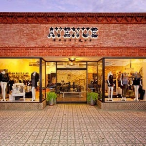 Creative Custom Costumes, Tucson, Arizona. likes. Closed our retail storefront in after over 30 years. Formerly a full service retail shop.