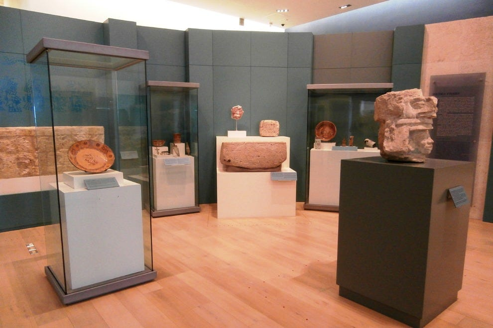Museo Maya de Cancun is home to some 350 artifacts