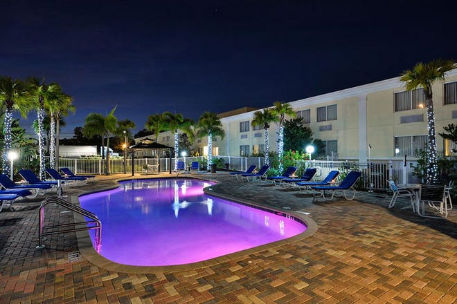 quality inn & suites on the bay near pensacola beach